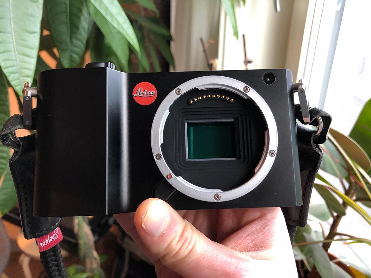 Leica x1 manual focus digital camera